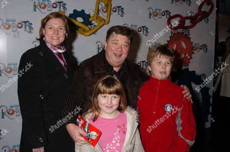 Uk Premiere of the Animated Film 'Robots' at Vue Leicester Square London Jono Coleman & Family