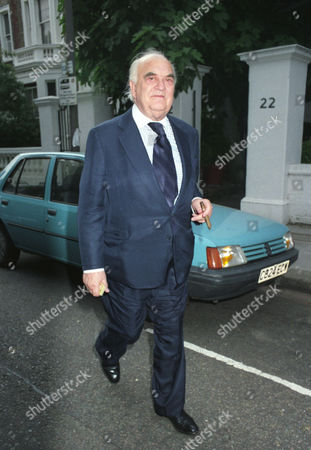 Annual Garden Party in Carlyle Square Lord Weidenfeld