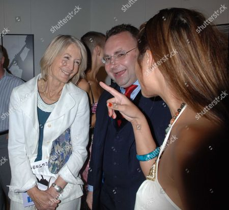 The Sixties Set an Exhibition of Photographs by Robin Douglas-home at the Air Gallery Dover Street London Sandra Howard with Jonathan Shalit & Mylene Klass