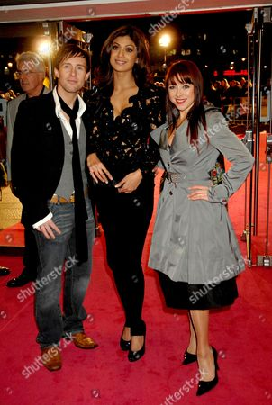 World Charity Premiere in Aid of Marie Curie Cancer Care and the Fifth Trust For 'Music and Lyrics' at the Odeon Leicester Square Ian Watkins Lisa Scott-lee and Shilpa Shetty
