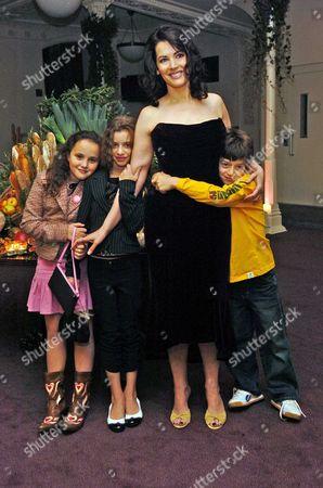 Nigella Lawson with Her Children Bruno Cosima Diamond & Pheobe Saatchi (r)