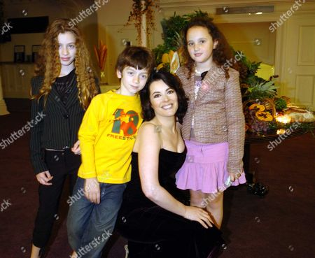 Nigella Lawson with Her Children Bruno & Cosima Diamond & Pheobe Saatchi (r)