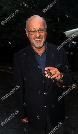 Annual Summer Garden Party in Carlyle Square Chelsea Peter De Savary