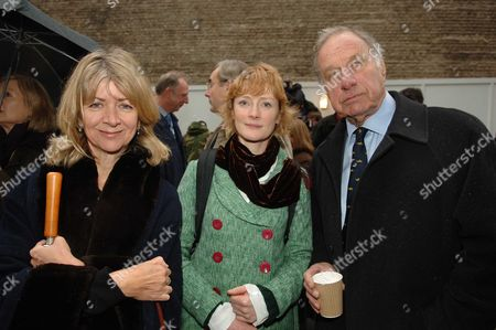 The Opening of the Unicorn Children's Theatre Tooled Street London Marsha Fitzalan Howard Claire Skinner & Her Father in Law Geoffrey Palmer