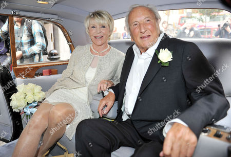 Wedding of Michael Winner to Geraldine Lynton-edwards at Chelsea Registry Office the Bride and Groom Arrive at the Registry Office