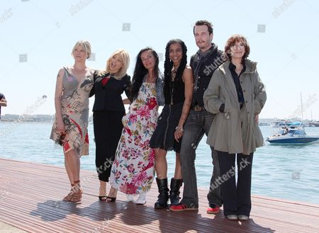 'The Making of Plus One' Photocall at the Majestic Pier During the 62nd Cannes Film Festival Sara Stockbridge Donna D'errico Director Mary Mcguckian Suzan-lori Parks Michael Eklund and Amanda Plummer