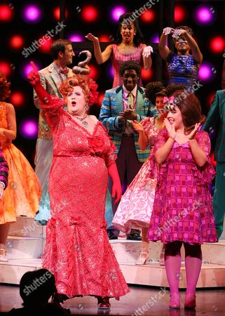 500 000th Ticket is Sold For 'Hairspray' Curtain Call - Michael Ball and Charlotte Riby