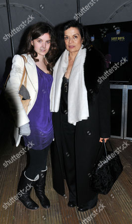 A Gala Performance of Peter Pan to the O2 Arena Greenwich On Its Tranfer For the Christmas Season From Kensington Gardens Bianca Jagger with Her Grandaughter Amba Jackson