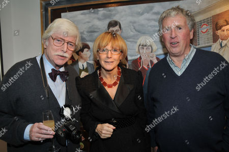 Opening of the Dollar Street Gallery with 'The Dog Show' Cirencester Mike Molloy Anne Robinson and James Whitaker