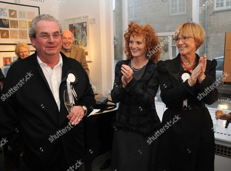 Opening of the Dollar Street Gallery with 'The Dog Show' Cirencester John Penrose the Gallery Owner with His Ex-wife Anne Robinson and Emma Wilson