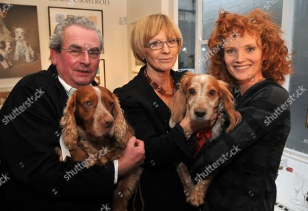 Opening of the Dollar Street Gallery with 'The Dog Show' Cirencester John Penrose the Gallery Owner with His Ex-wife Anne Robinson and Emma Wilson with Ellie (the Guests Were Asked to Bring Their Dogs Along)