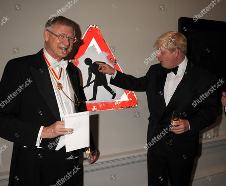 The Annual Dinner at the Royal Academy of Arts to Launch the 2008 Summer Exhibition Piccadilly London Sir Nicholas Grimshaw & Mayor of London Boris Johnson Mp