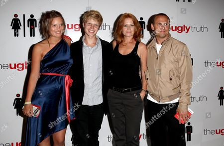 Uk Premiere of 'The Ugly Truth' at the Vue Leicester Square Patsy Palmer with Her Husband Richard Merkell