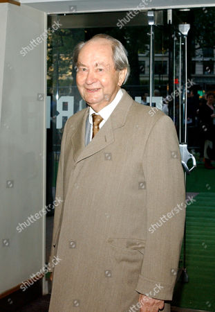 Uk Premiere of 'Wallace and Gromit the Curse of the Were Rabbit' at the Odeon Leicester Square Peter Sallis Who Plays the Voice of Wallace