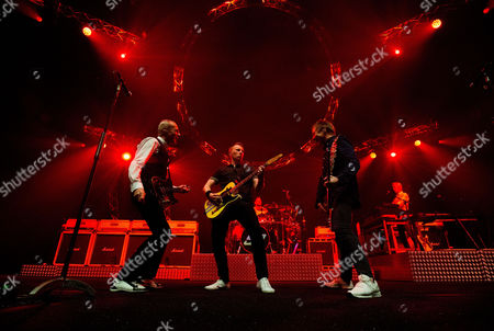 Francis Rossi, John Rhino Edwards, Richie Malone, Leon Cave and Andy Bown - Status Quo Live - Last of the Electrics Tour