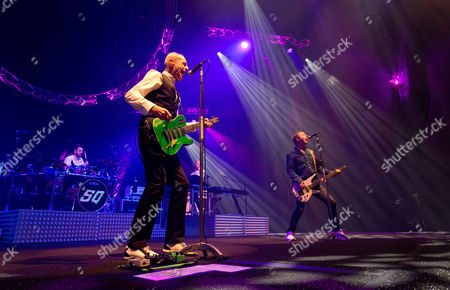 Francis Rossi, John Rhino Edwards (R), Andy Bown and Leon Cave Status Quo Live - Last of the Electrics Tour