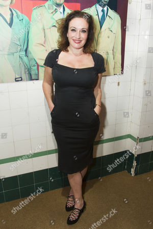 Lucy Cohu (Helen Hobart)