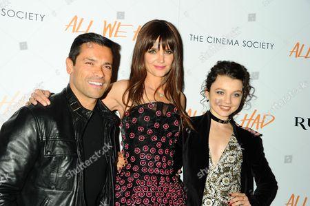 Mark Consuelos, Katie Holmes, Stefania Owen