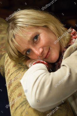 Actress Leslie Sharp