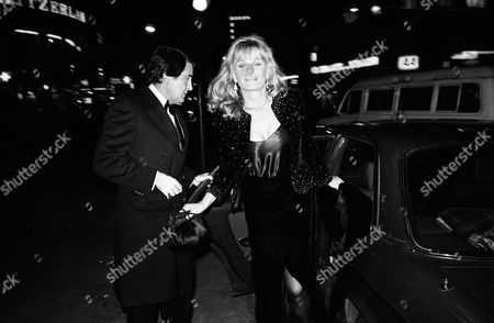 Christmas Party at the Cafe De Paris Piccadilly in Aid of Centerpoint Soho and the End of the Eurthmic's Tour Valerie Perrine