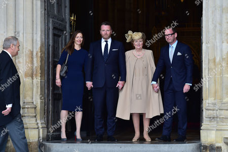 London UK 27th Sept 2016: Helen Joyce, Katherine Wogan, Mark Wogan, Alan Wogan at the Memorial Service for Terry Wogan at Westminster Abbey, London. September 27, 2016 London UK