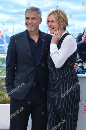 Cannes France 12th May 2016: Damien Bonnard, Director Alain Guiraudie, India Hair and Raphael Attends the Rester Vertical (staying Vertical) Photocall