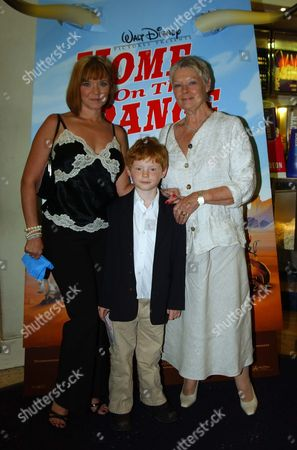 Uk Premiere of 'Home On the Range' in Aid of 'The Roy Kinnear Foundation' at the Odeon Westend Dame Judi Dench with Her Daughter Finty Williams and Grandson Sam