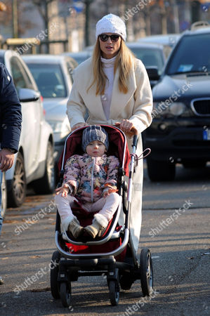 Stock Image of Michelle Hunziker at Sant'Ambrogio park with her daughter Celeste Trussardi