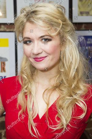 Scarlett Strallen (Amalia)