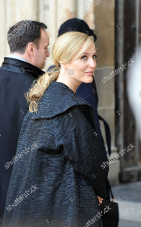 Stock Image of A Ceremony at Westminster Abbey to Mark the Bicentenary of the Birth of Charles Dickens Gillian Anderson