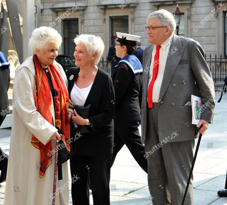 A Jubilee Celebration of the Arts at the Royal Academy of Arts Piccadilly London Dame Joan Plowright Dame Judi Dench & David Hockney