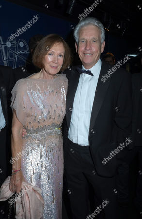 An Education in Aid of Peas Quiz at at Shakespeare's Globe Theatre Bankside London Nicholas Owen with His Partner