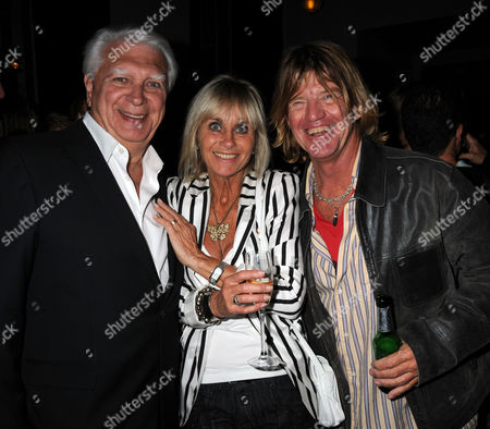 First Night Party For 'The Shawshank Redemption' at the Cafe National Gallery Producer Paul Elliott and His Wife Linda Hayden with Robin Askwith