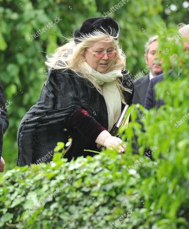 Stock Photo of Funeral of Robin Gibb at St Marys Church Thame Oxfordshire Dwina Murphy Gibb