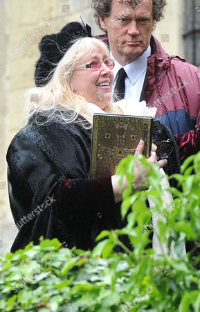 Funeral of Robin Gibb at St Marys Church Thame Oxfordshire Dwina Murphy Gibb