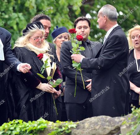 Funeral of Robin Gibb at St Marys Church Thame Oxfordshire Dwina Murphy Gibb & Spencer Gibb