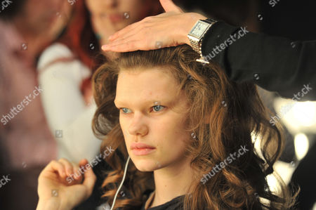 London Fashion Week Issa Hair & Make Up the Court Yard Space Somerset House the Strand London American Super Model Kelly Mittendorf