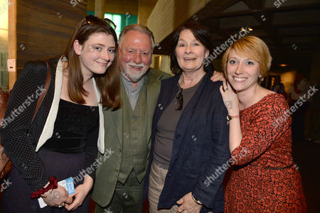 Stock Photo of A Ww1 Josephine Hart Poetry Platform at the Lyttelton at the National Theatre Southbank London Kenneth Cranham with His Wife Fiona Victory and 2 Daughters Nancy & Kathleen