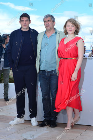 Cannes France 12th May 2016: Damien Bonnard, Director Alain Guiraudie and India Hair at the Rester Vertical (staying Vertical) Photocall As Part of the 2016 Cannes Film Festival in Cannes, France On the 12th May 2016.