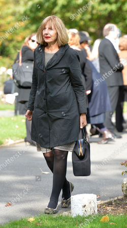 Stock Photo of The Funeral of Singer Songwriter Lynsey De Paul at Hendon Cemetery & Crematorium Holders Hill Rd North London Carole Stone