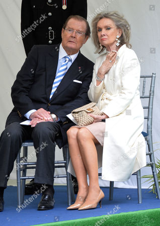 Michael Winner - Memorial Service at the National Police Memorial the Mall London Sir Roger Moore and His Wife Kiki