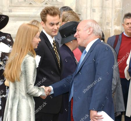 Service of Thanksgiving at Westminster Abbey For the Life & Work of Dame Thora Hird Dme Gregg Dkye with the Family Her Daughter Miss Janette Scott and Grandchildren James & Daisy Torme