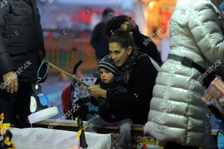 Melissa Satta takes her son Maddox Prince-Boateng