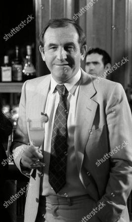 Filming of Cinzano/martini Advert at the Dorchester Hotel Leonard Rossiter