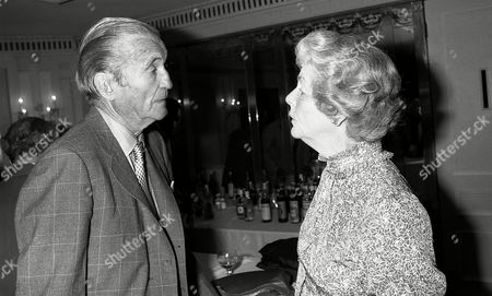 Foyles Lunch at the Dorchester Hotel For the Duchess of Devonshire Charles the Marquess of Bath & the Duchess of Devonshire