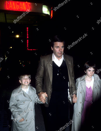 1982 Outside Langan's Brasserie Mayfair Robert Wagner with His Step-daughter Natasha Gregson (12) and Daughter with Natalie Wood Courtney Wagner (8)