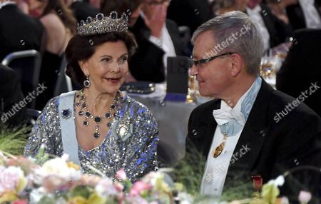 Queen Silvia and the Chairman of the Board of the Nobel Foundation Carl-Henrik Heldin