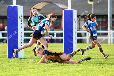 Meg Jones of Bristol Ladies scores a try