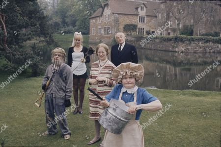 David Jason (as Dithers) Moira Foot (as Effie the maid) Josephine Tewson (as Mildred Bates) Frank Gatliff (as Badger) and Mary Baxter (as Cook)