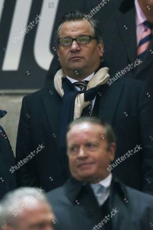 Dean Holdsworth and Bolton Wanderers chairman Ken Anderson during the Sky Bet League One match between Bolton Wanderers and Gillingham played at the Macron Stadium, Bolton on 12th December 2016